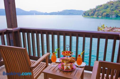The Richforest Hotel- Sun Moon Lake - Yuchi - Balcony