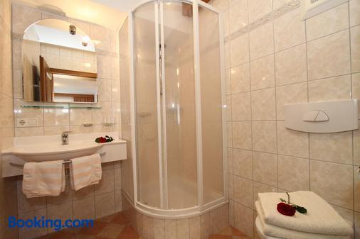Hotel - Wirts'haus 'Zum Schweizer' - Lofer - Bathroom