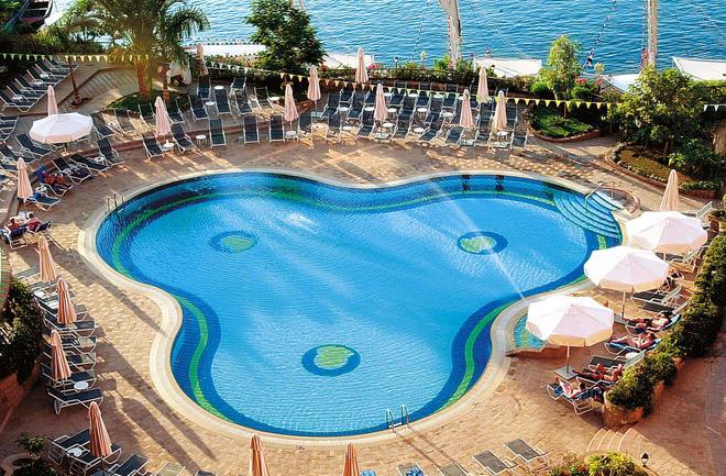 Steigenberger Nile Palace Luxor Hotel & Convention Center - Lúxor - Piscina