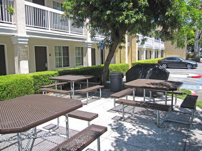 聖約瑟 - 森尼韋爾美國長住酒店 - 桑尼維爾 - 桑尼維爾 - 天井