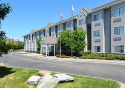Microtel Inn & Suites by Wyndham Bloomington/Minneapolis - Bloomington - Outdoor view