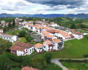 Vvf Villages 'le Pays Basque' Sare - Sare