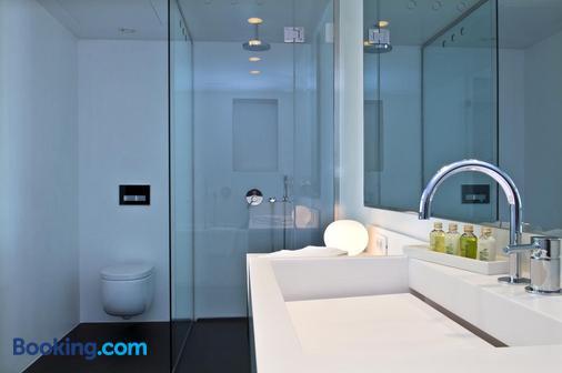 B-Aparthotels Regent - Brussels - Bathroom