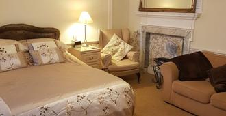The Pack o' Cards - Ilfracombe - Bedroom