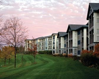Holiday Inn Club Vacations At Lake Geneva Resort - Lake Geneva - Building