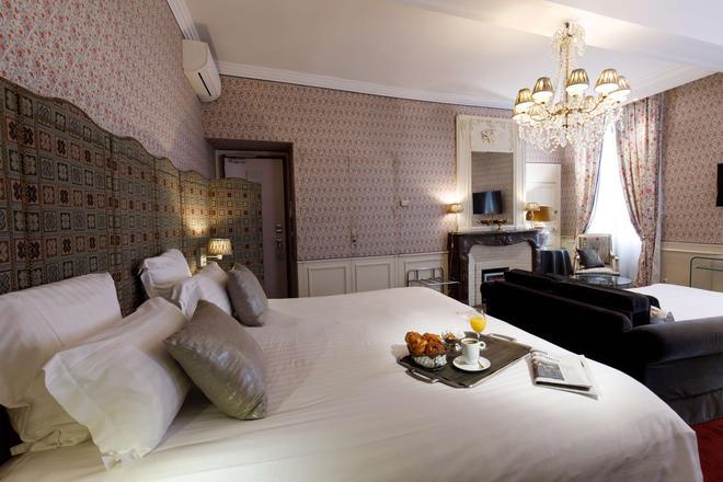 Best Western Premier Grand Monarque Hotel & Spa - Chartres - Makuuhuone