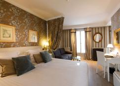Best Western Premier Grand Monarque Hotel & Spa - Chartres - Bedroom