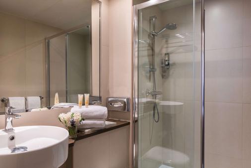 快樂文化妮維亞飯店 - 巴黎 - 浴室
