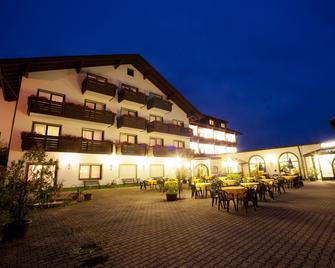 Urlaubshotel Binder - Büchlberg - Gebäude