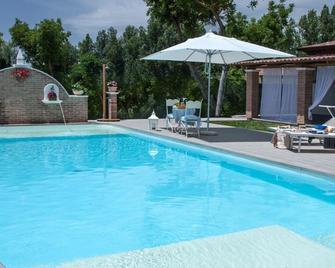 Country House Ponte Ufita - Grottaminarda - Pool