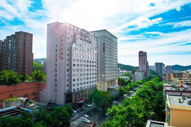 Zhongnan Sunshine Hotel - Dalian - Building