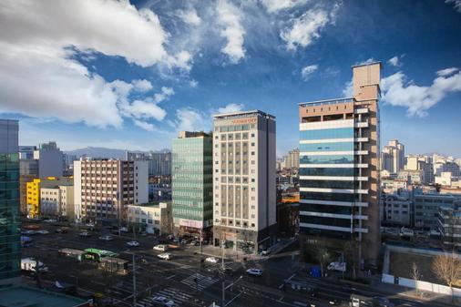 Golden City Hotel Dongdaemun - Σεούλ - Θέα στην ύπαιθρο