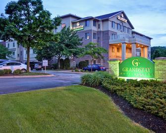 GrandStay Hotel & Suites La Crosse - La Crosse - Gebouw