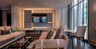 Sofitel Auckland Viaduct Harbour - Auckland - Living room