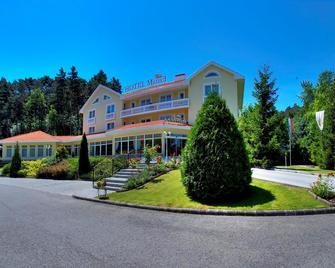 Villa Medici Hotel Restaurant - Veszprém - Building