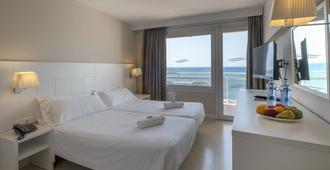 هوتل روزامار ماكسيم - للبالغين فقط - يوريت دي مار - غرفة نوم