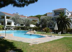 尼基酒店公寓 - Rhodes (羅得斯公園) - Ialysos - 游泳池