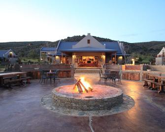 Madi-Madi Karoo Safari Lodge - Oudtshoorn - Patio