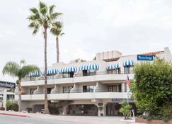 Travelodge by Wyndham San Clemente Beach - San Clemente - Building