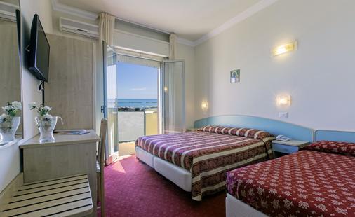 Hotel Silver - Cesenatico - Bedroom