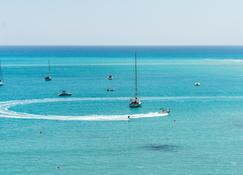 Columbia Beach Resort - Limassol - Building