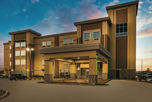 La Quinta Inn & Suites by Wyndham Colorado City - Colorado City - Gebäude