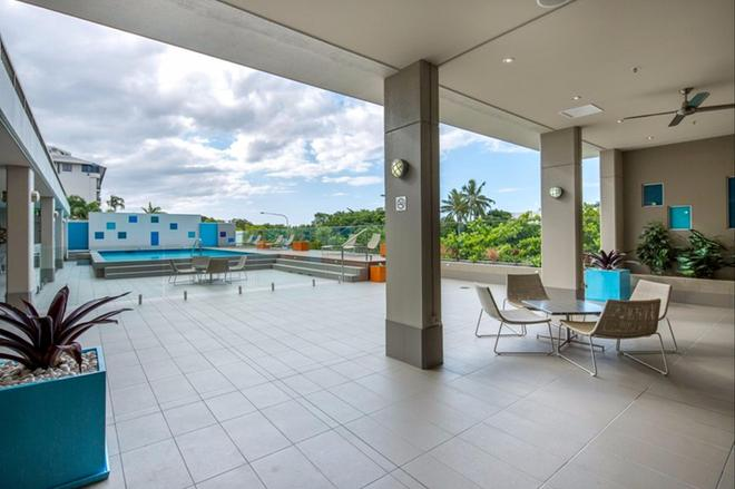 Pacific Hotel Cairns - Cairns - Pool