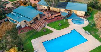 Ramada Resort by Wyndham Phillip Island - Phillip Island - Bể bơi