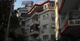 Avrasya Hostel Pansiyon Antalya - Antalya - Building