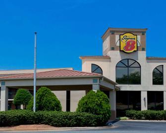 Super 8 by Wyndham Huntersville/Charlotte Area - Huntersville - Building