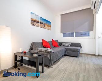 Beach Apartment, next to the sea - Premià de Mar - Sala de estar