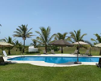 Taboga Eco Boutique Hotel - Monte Gordo - Pool