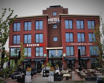 Hotel Rauw Aan de Kade - IJmuiden - Building