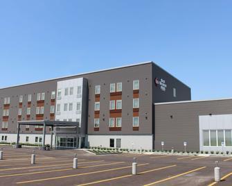 Best Western Plus Dauphin - Dauphin - Building