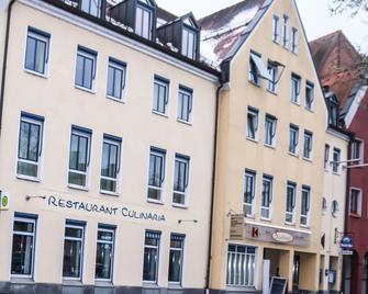 Stadthotel Deggendorf - Deggendorf - Gebäude