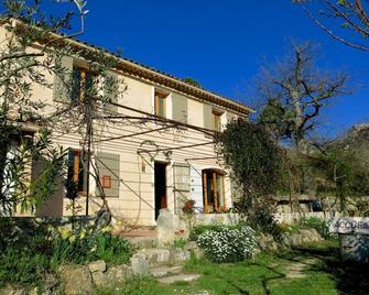 Chambres d'Hôtes Les Oliviers - Moustiers-Sainte-Marie - Gebouw