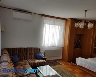Ferienhaus Christian - Frauenkirchen - Living room