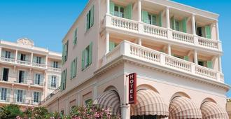 布魯斯巴爾莫勒爾藍色假日俱樂部酒店 - 門頓 - 芒通 - 建築