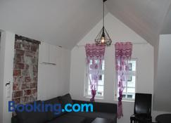 Skuteviken Apartments Anno 1790 - Bergen - Living room