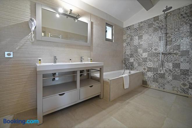Hôtel Mas des Barres - Saintes-Maries-de-la-Mer - Bathroom