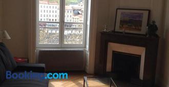 Cocon au pied de la Croix Rousse - Lyon - Living room