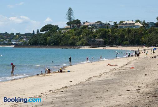 Aarangi Motel - Auckland - Beach