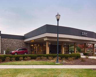 Lehigh Valley Hotel, SureStay Collection by Best Western - Bethlehem - Building