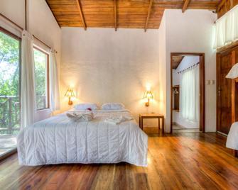 Pacoche Lodge & Reserve - Santa Marianita Beach - Bedroom