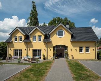 Hotel Eifellust - Schalkenmehren - Building