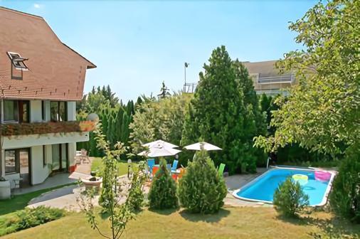 多明尼加公寓酒店 - 布達佩斯 - 布達佩斯 - 游泳池