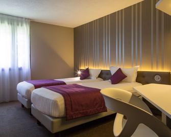 The Originals City, Hôtel Les Caps, Saint-Brieuc Est (Inter-Hotel) - Ламбаль - Спальня