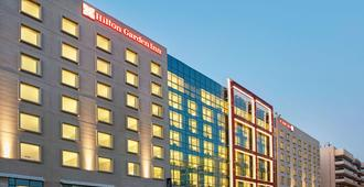 Hilton Garden Inn Dubai Mall Of The Emirates - Dubai - Rakennus