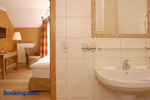 Hotel Eifelland - Butgenbach - Bathroom