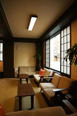 東京空間旅館 - 東京 - 客廳